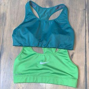 Nike size M sports bra bundle